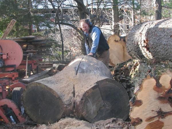 Splitting-wood-before-plank-cutting